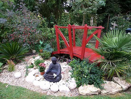Pin tillagd av arnaud robillard p jardin japonais pinterest for Pin jardin japonais