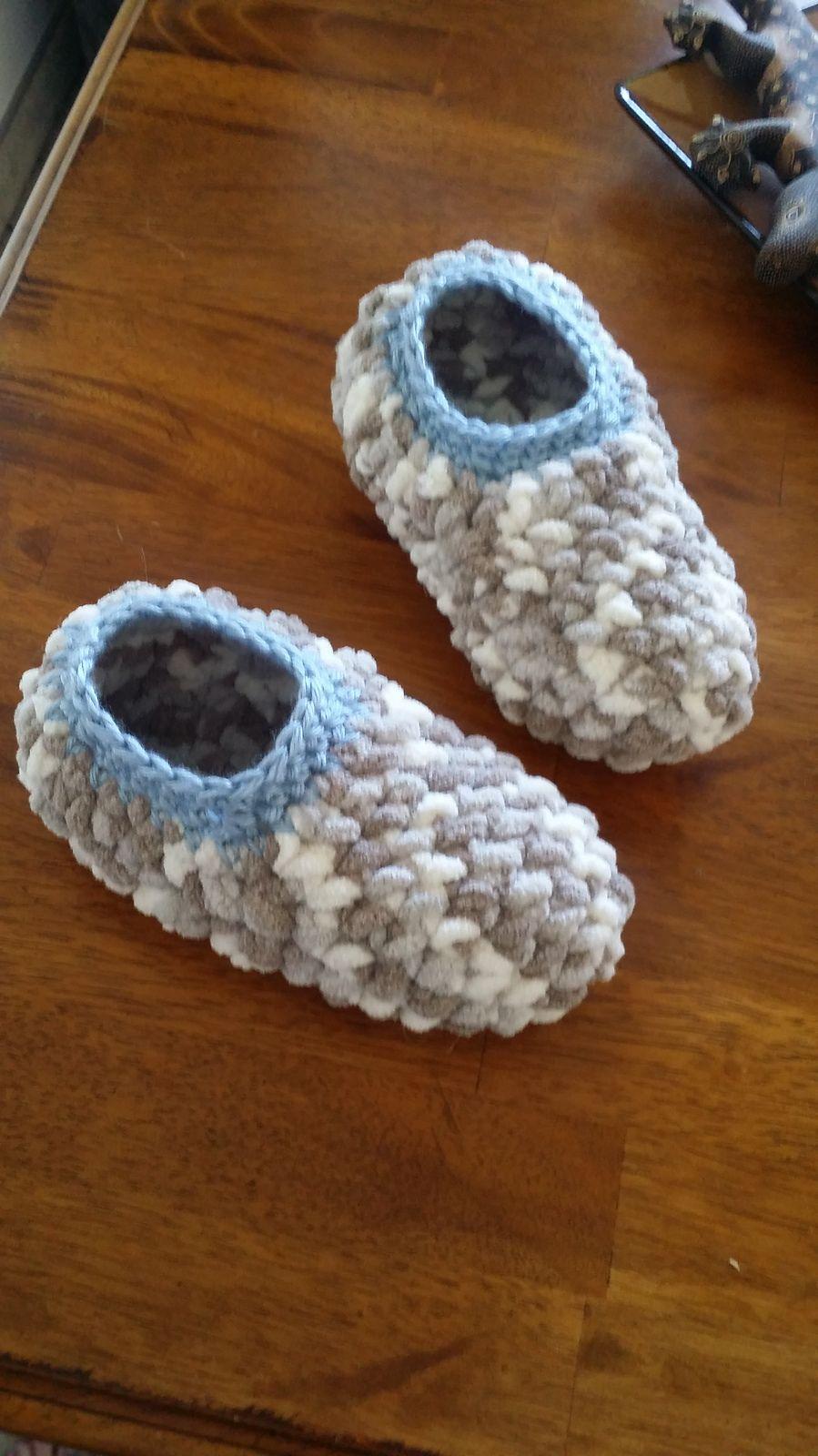 Super Easy Slippers By Lisa Jeannine - Free Crochet Pattern ...