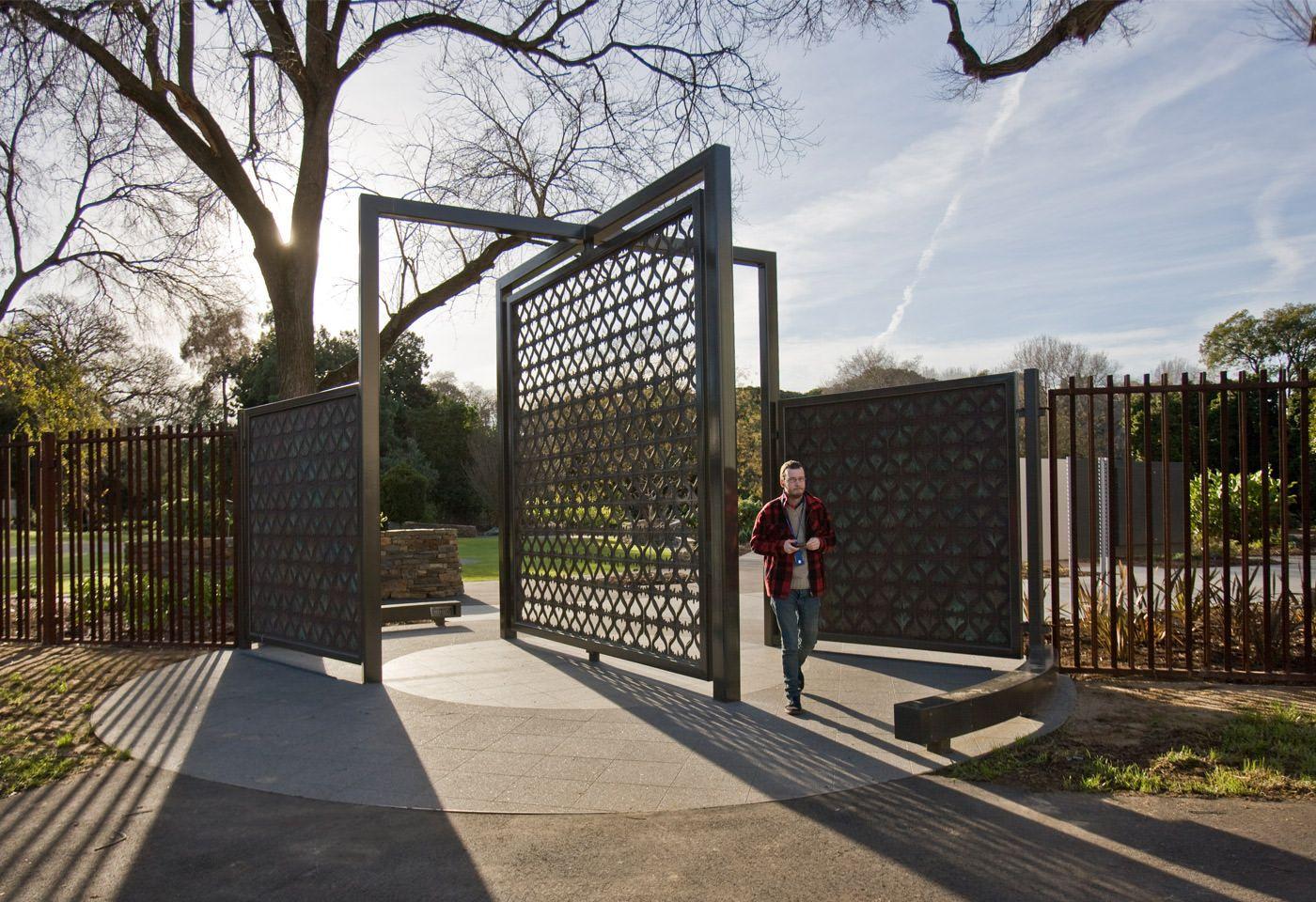 Big Pivot Gate Modern Gate Entrance Design Parking Design