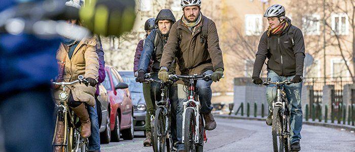 #España En el ámbito urbano también debes dejar 15 m de distancia lateral mínima al https://t.co/xQnTh0TX8X https://t.co/jZqfwmueIN
