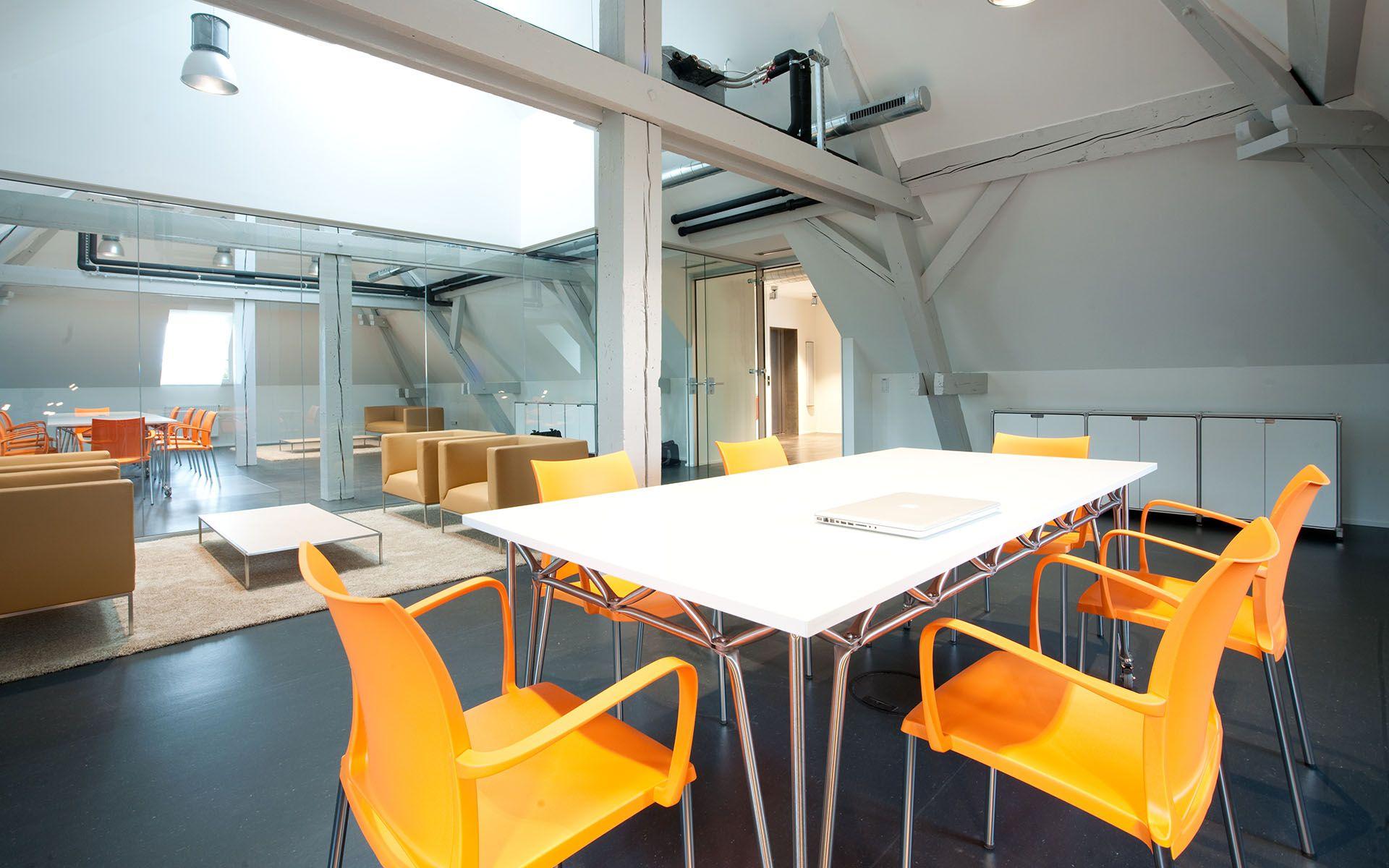 Modulare Büromöbel I Design Möbelbausystem für Grossraumbüros I ...