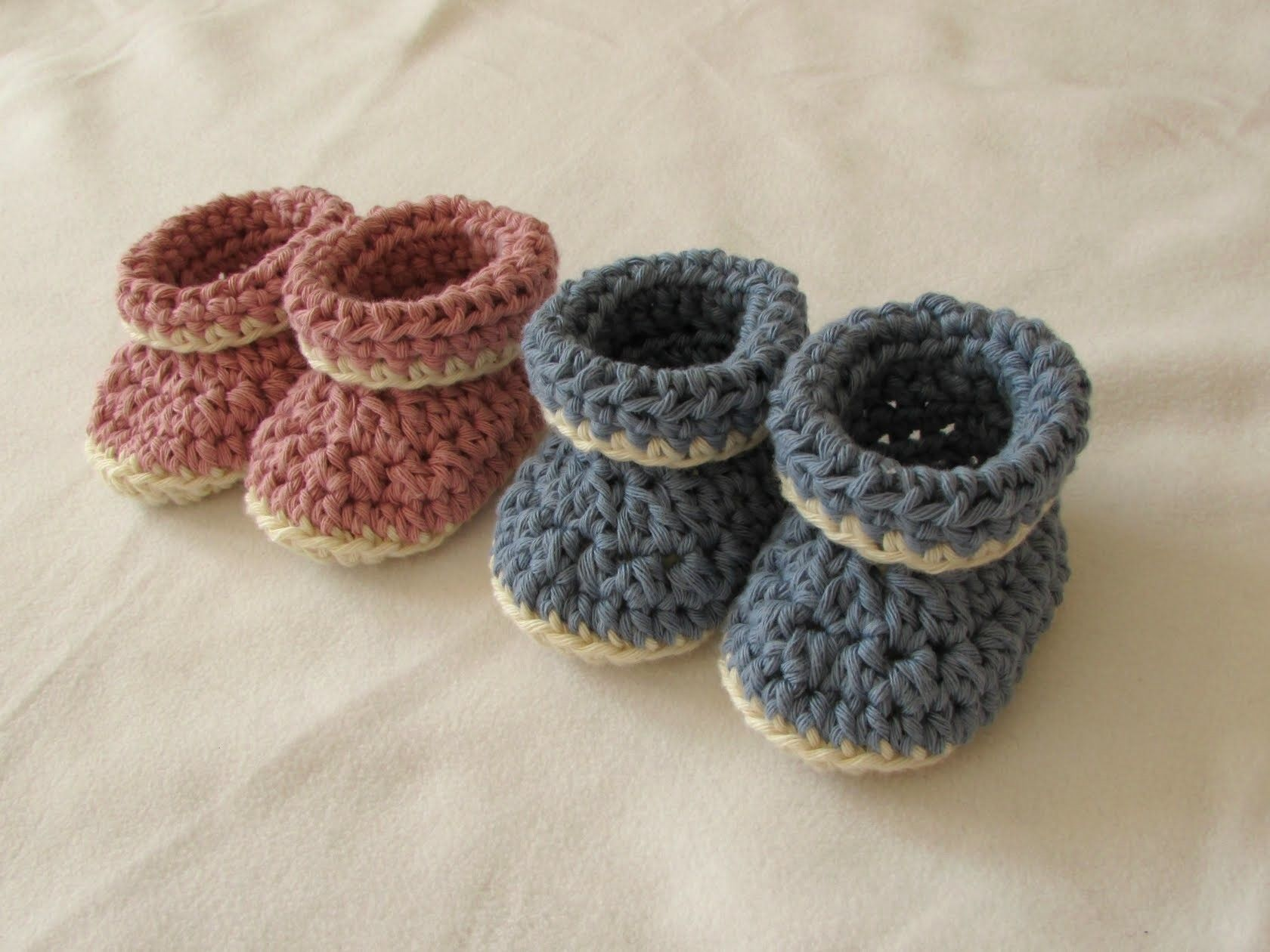 85fb5f35c1e9 VERY EASY crochet cuffed baby booties tutorial - roll top baby shoes for  beginners