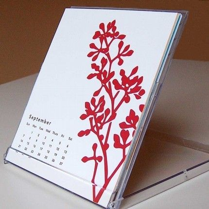 Package case similar to jewel cd cases doubles as display stand if cards · desktop calendarscool