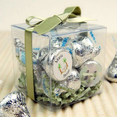 Clear Favor Boxes: for mini cupcakes