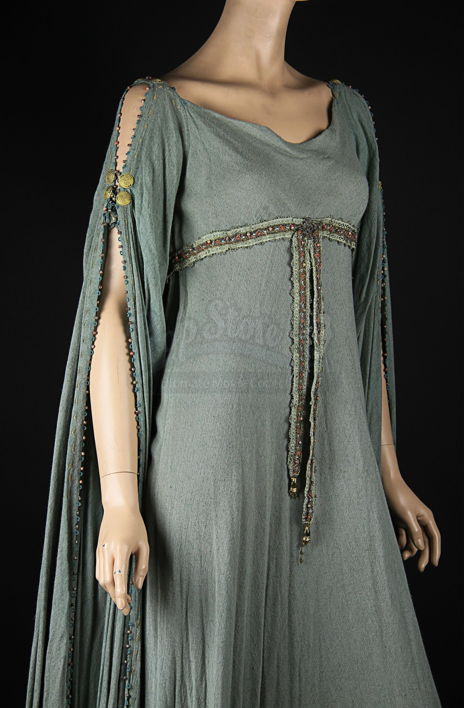 Guinevere (Keira Knightley) Blue Dress | Prop Store - Ultimate Movie ...