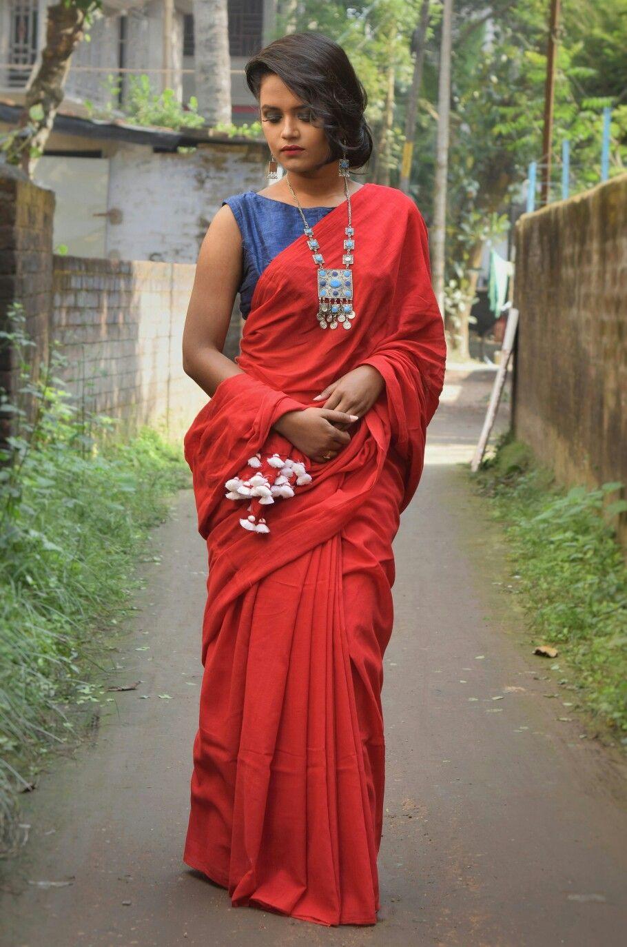 c4bdba7337 Khadi cotton Saree Styles, Blouse Styles, Drape Sarees, Simple Sarees, Red  Saree