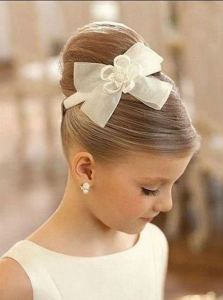 Peinados con cabello corto para primera comunion