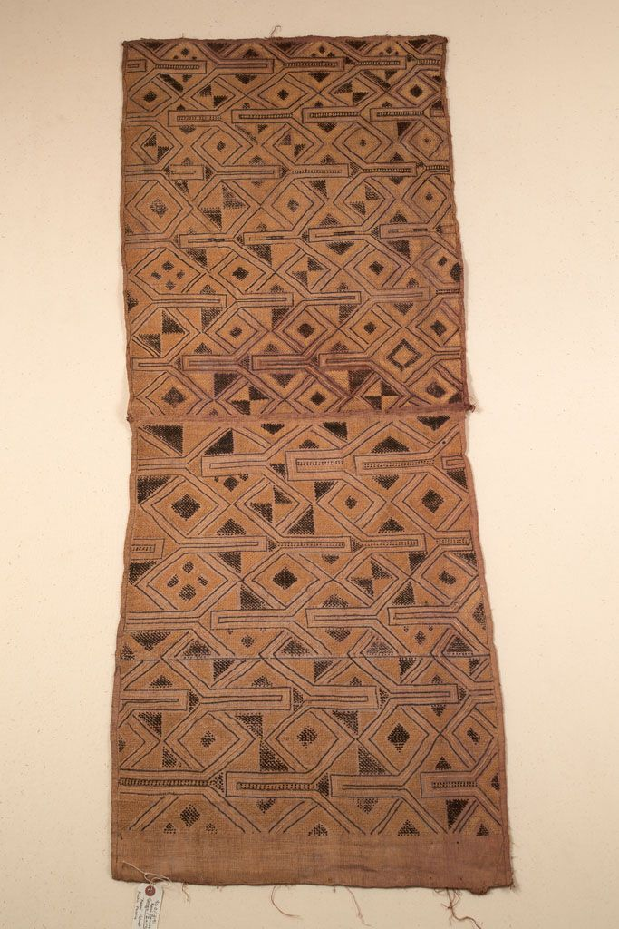 RAFFIA CLOTH WITH CUT-PILE AFRICAN ETHNOGRAPHIC COLLECTION Catalog No: 90.0/ 2191 Culture: KUBA Locale: KASAI PROVINCE Country: ZAIRE?, CONGO? Material: PALM LEAF FIBER Dimensions: L: 141 W: 53.5 [in CM] Technique: PLAIN WEAVE, CUT PILE AND STEM STITCH EMBROIDERY Acquisition Year: 1907 [GIFT] Donor: BELGIAN GOVERNMENT