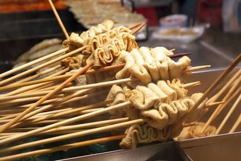 K Food Odeng Eomuk Odeng Adalah Makanan Yang Paling Sering Kita Temui Di Korea Selatan Di Toko Toko Makan Resep Masakan Korea Makanan Enak Makanan Korea