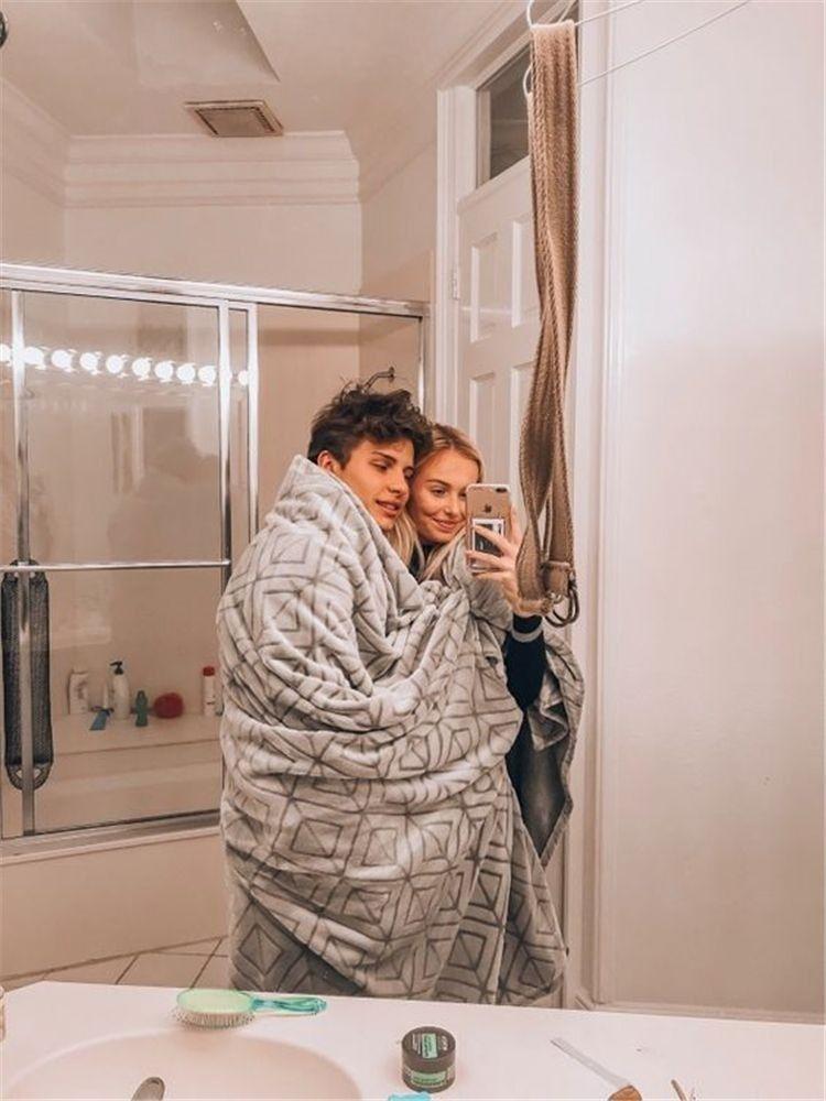 #couplegoals #blanket #blankey #cuddles #blankeycuddles #blanketcuddles #relationshipgoals #goals #coupletime #relationship
