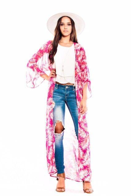Pretty in pink! Feather caftan by designer karla Menéndez. Www.faceboook.com/karlajmenendez IG:karla_ginger