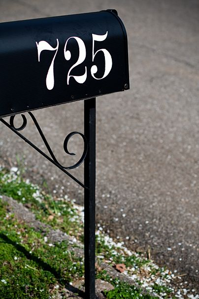 Modern No 20 Font Good For House Number House Numbers Diy Mailbox Numbers Mailbox Numbers Vinyl