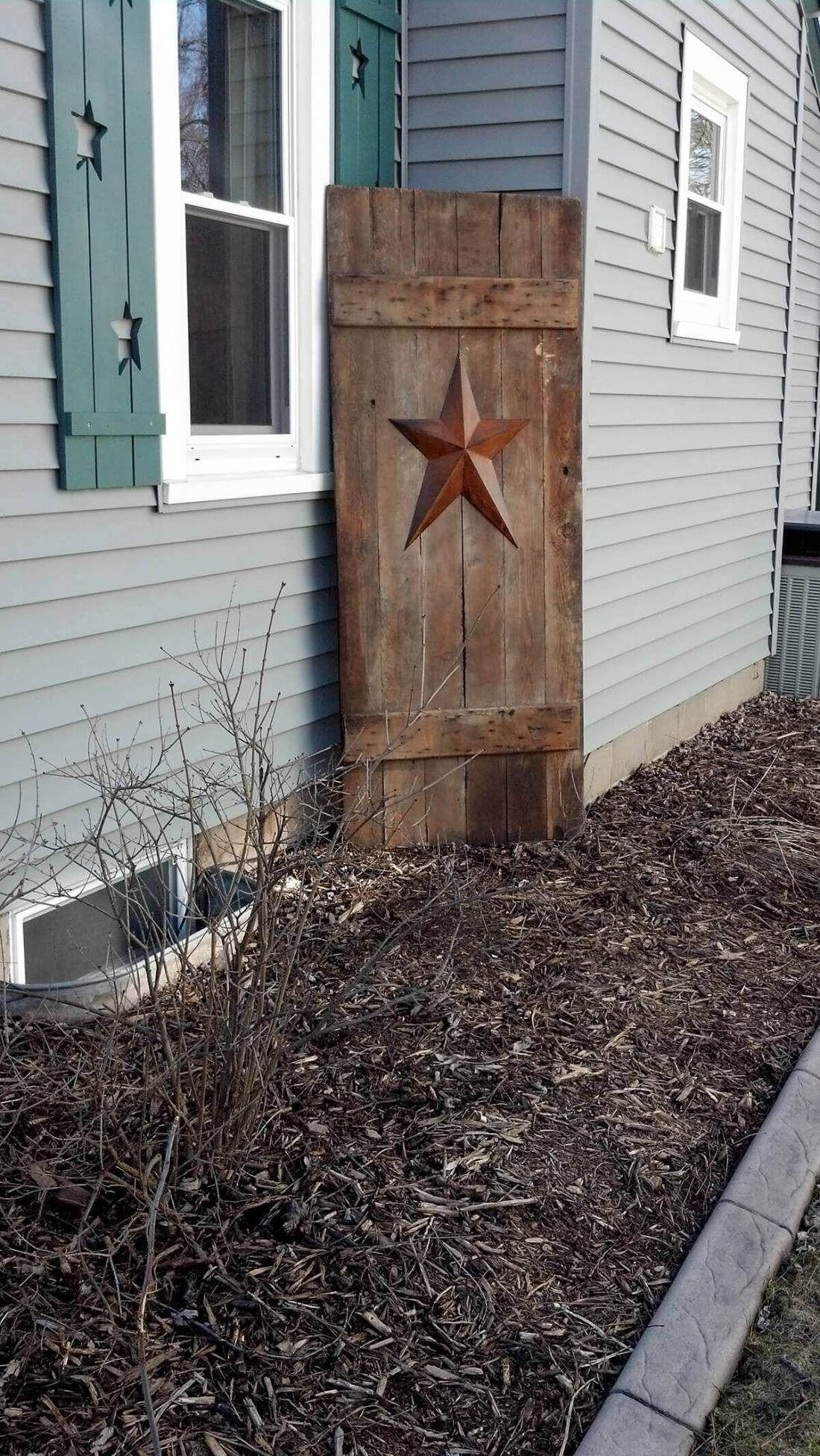 31 Creative Repurposed Old Door Ideas Projects For Your Backyard Old Barn Doors Barn Door Decor Old Door Decor
