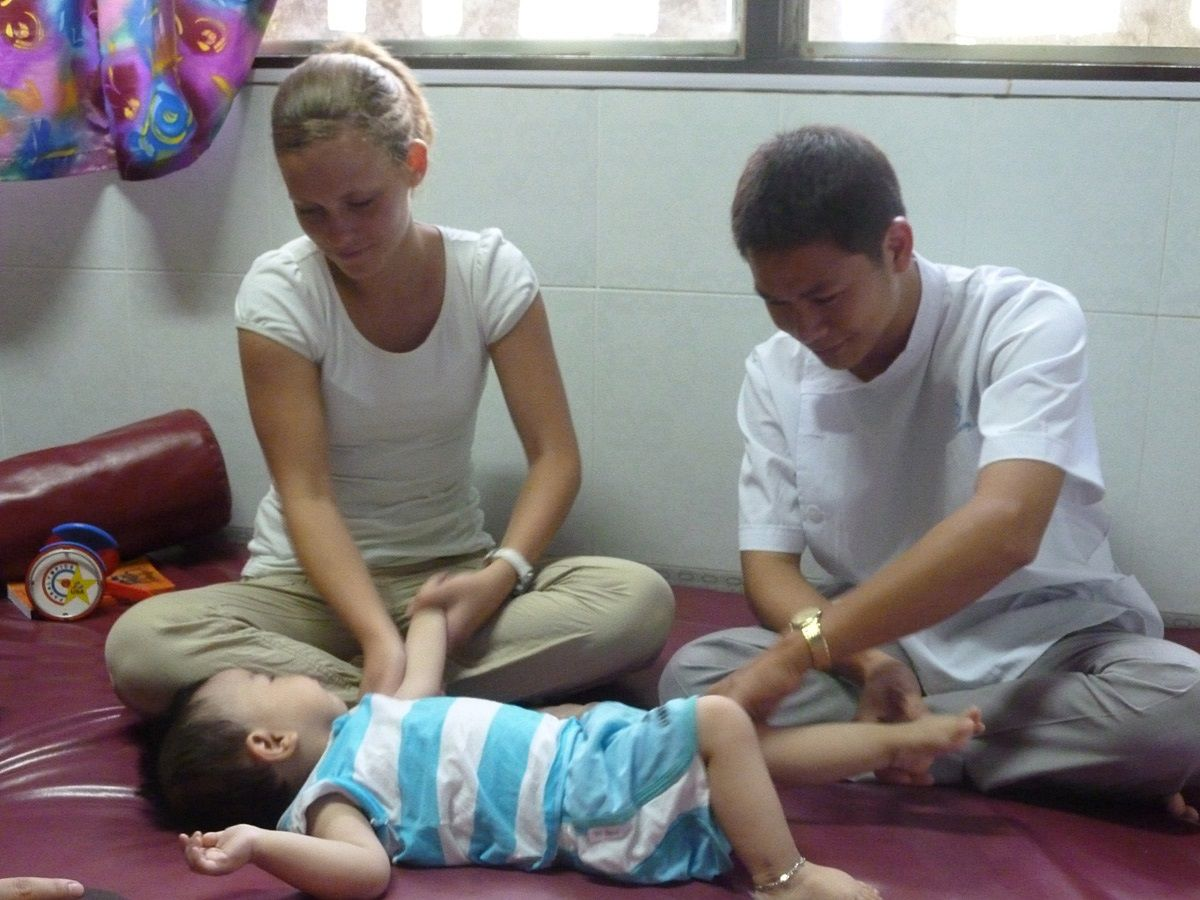 Volunteer Abroad Occupational Therapy in Vietnam with Projects