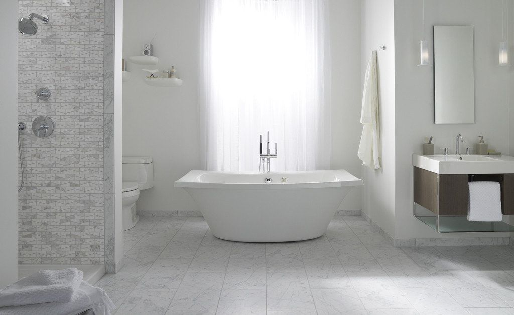 LOVE this free standing square tub with round bottom; air bubbles ...