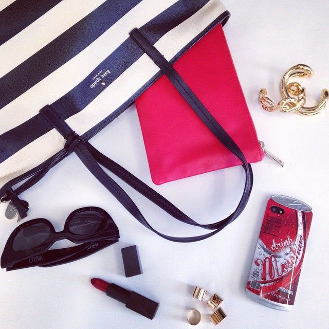 Tell Us What's In Your  And Share Your Favorite Essentials #tapforcredits By Shopbop