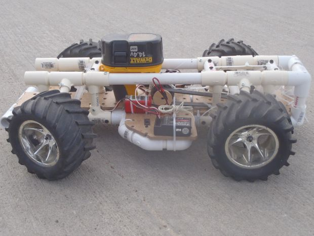 Rc car built from common materials scale cars and robot a diy rc car scaled down this is a perfect project for two little boys solutioingenieria Images