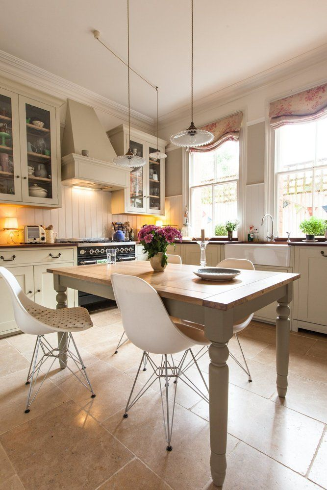 House Tour: A Traditional English Victorian Apartment | Cocinas
