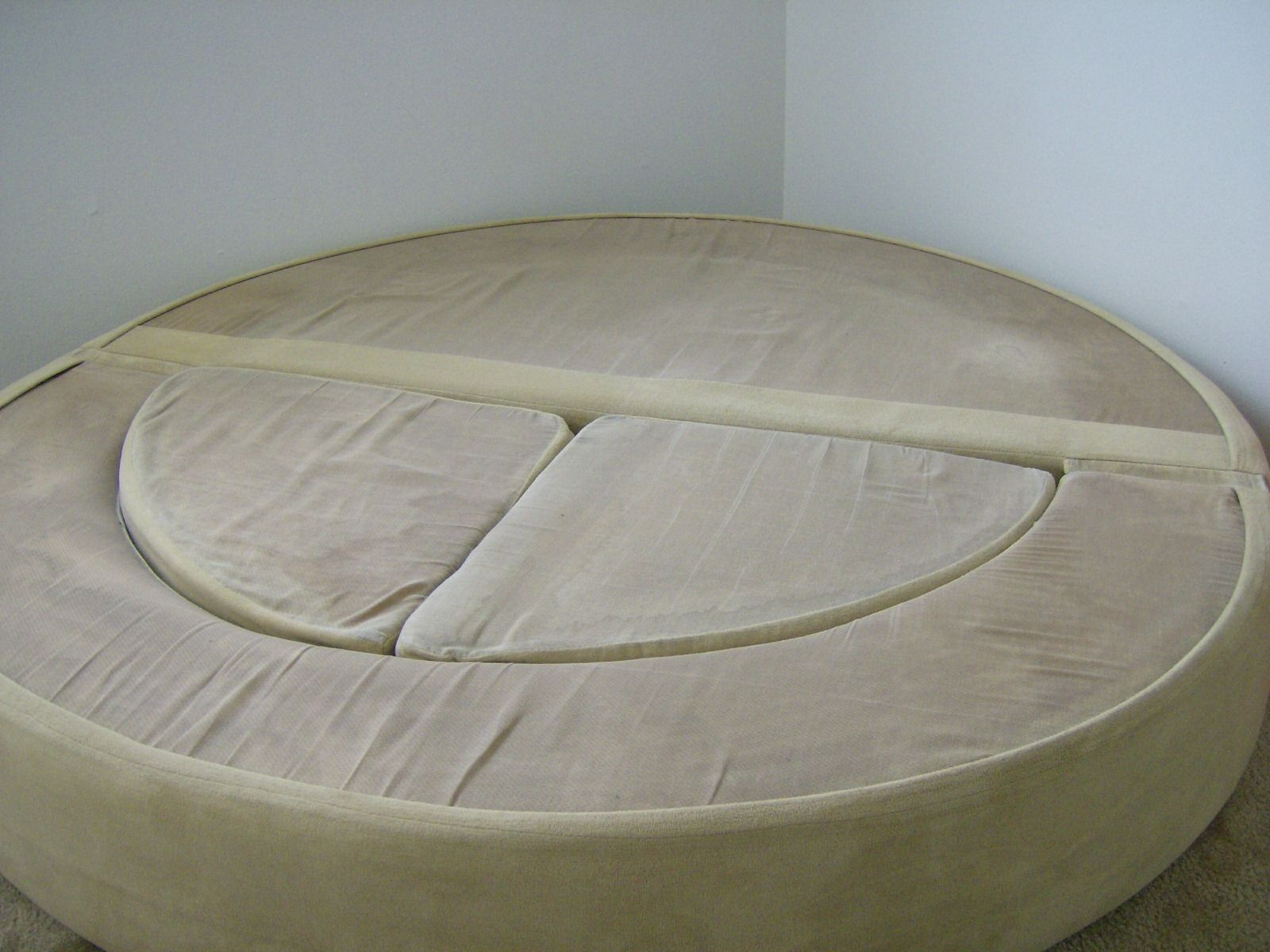 Vintage 1970 S 70 S Round Circular Modern Mod Sofa Bed