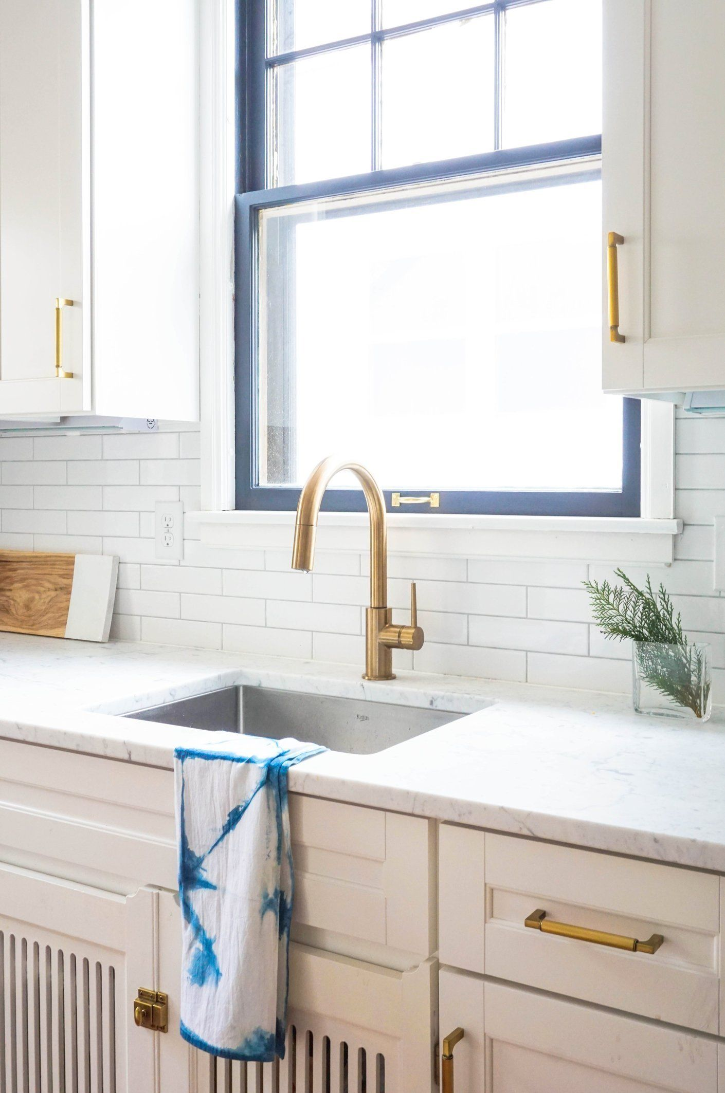 Style boosts ideas for upgrading a simple kitchen sink window