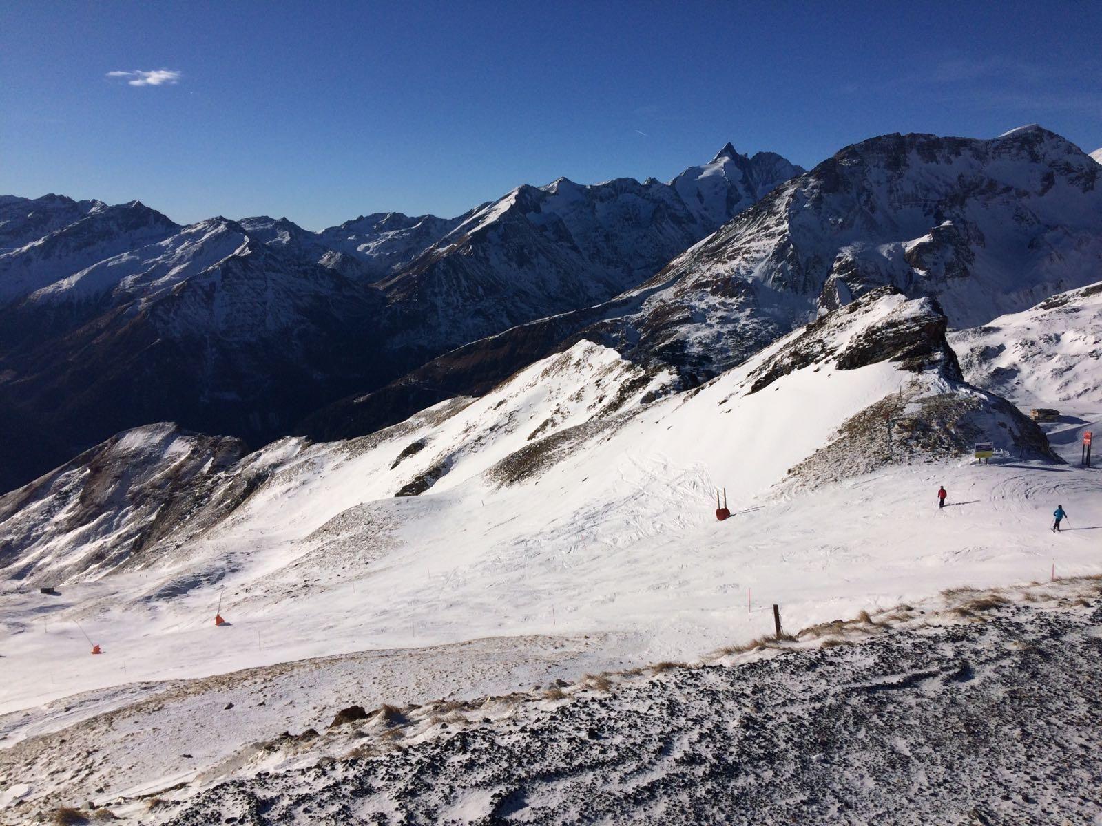I went skiing in the alps. Heiligenblut Austria. [1600x1200]