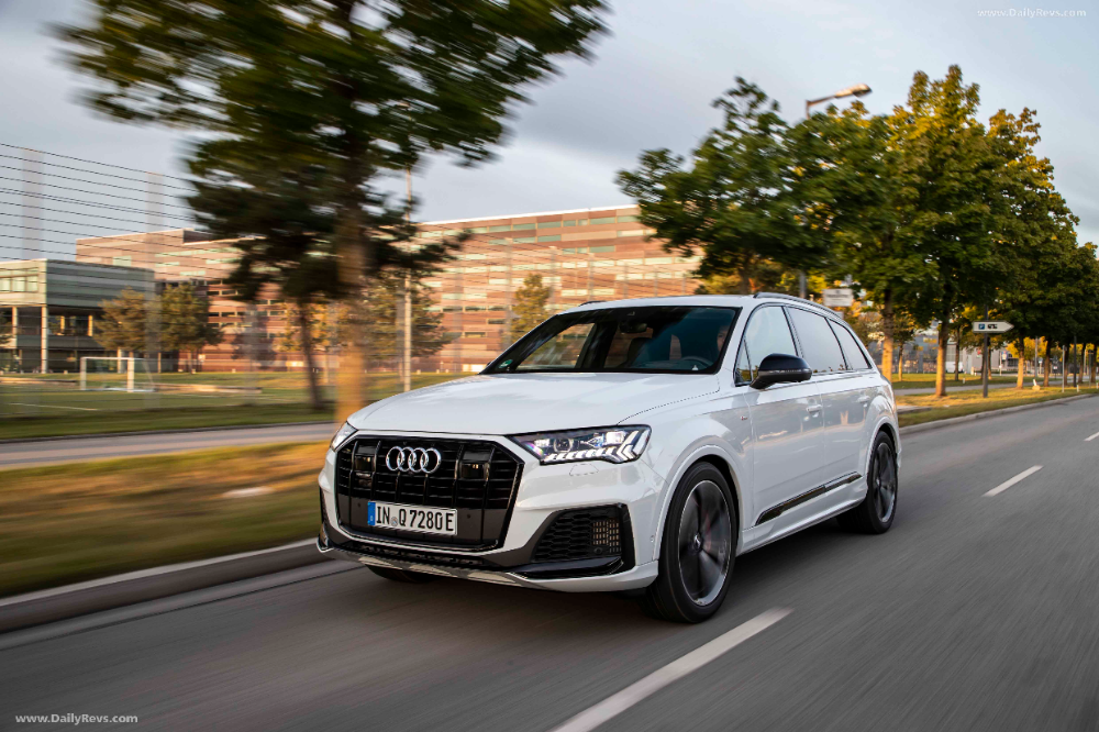 2020 Audi Q7 Tfsi E Quattro Hd Pictures Videos Specs Information Audi Q7 Audi Plug In Hybrid Suv
