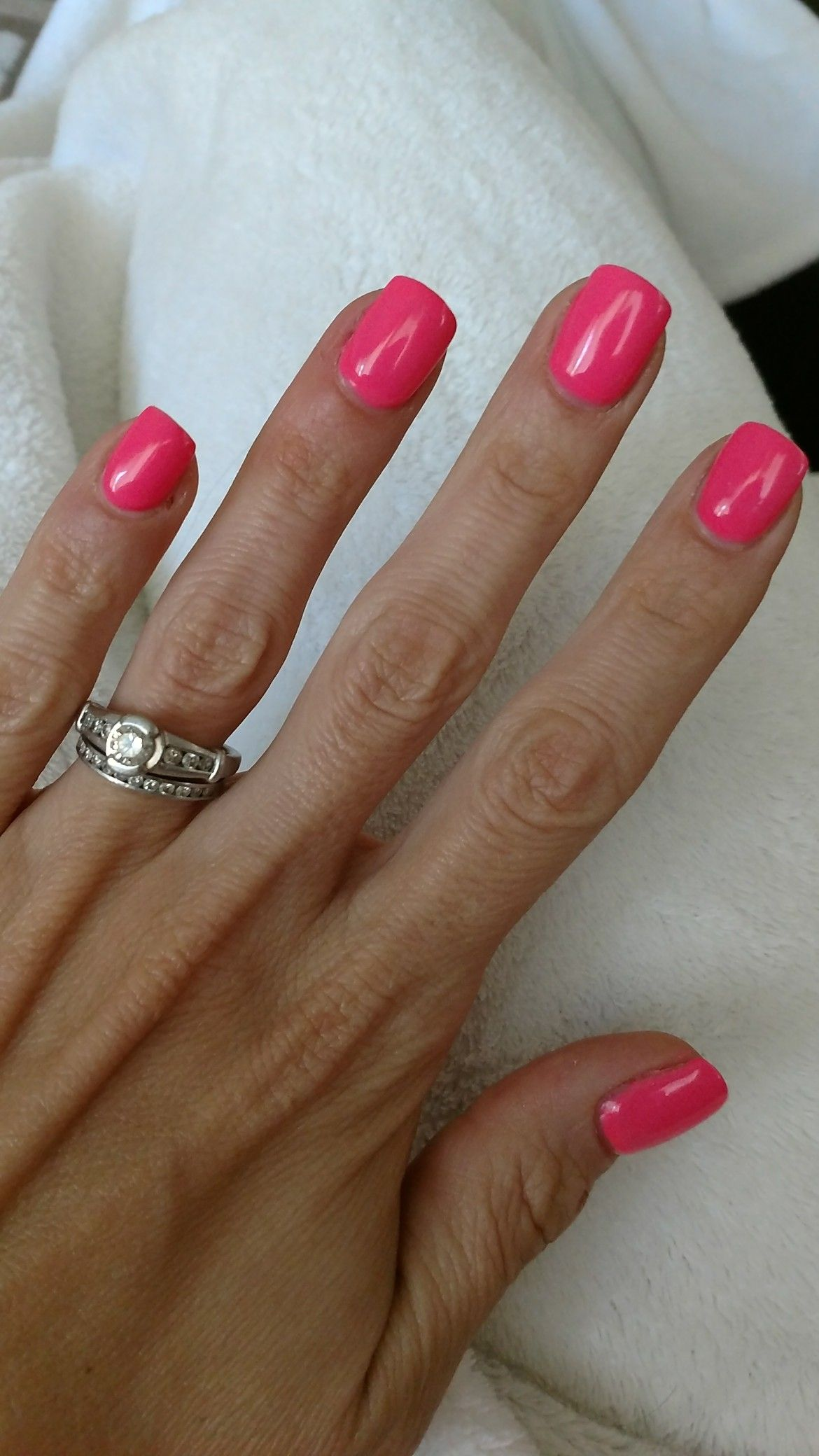 Love This Summer Color Dnd 558 Nails Dnd Gel Polish Hair And