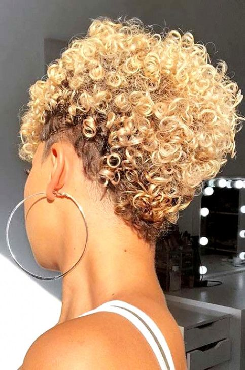 Short Blonde Curly Hairstyle Curlyhairstyles Natural Hair Styles Short Natural Hair Styles Tapered Natural Hair