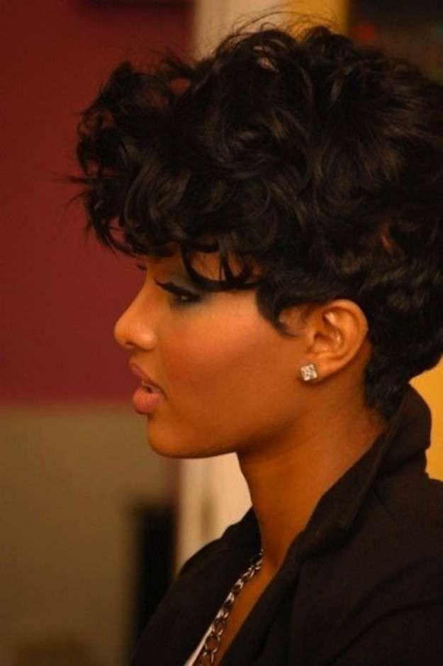 cortes de pelo rizado corto para mujeres fotos de los peinados