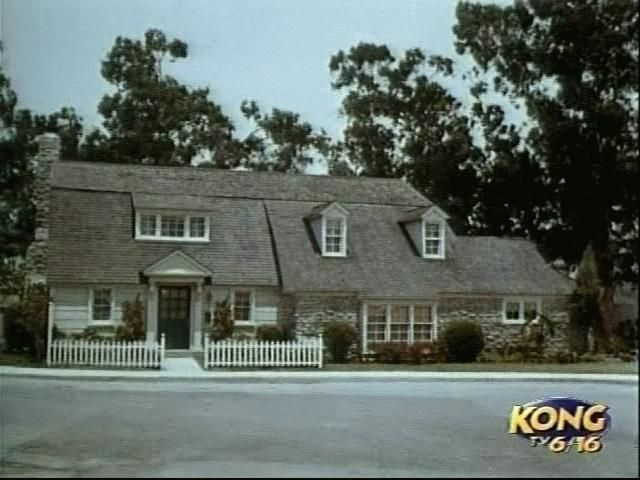 The California House Sitcoms Online Photo Galleries Tv Show House My Three Sons Famous Houses