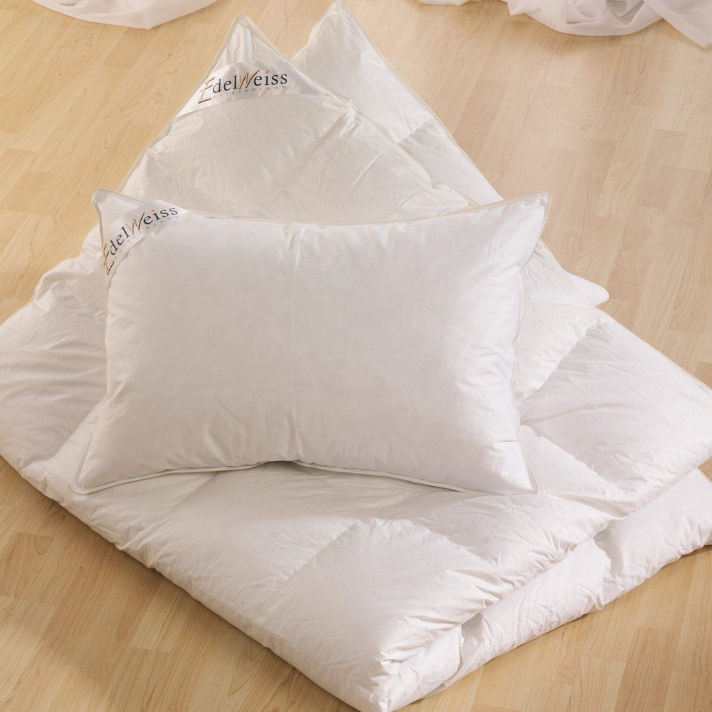 Feather Pillow] Made from 95% goose