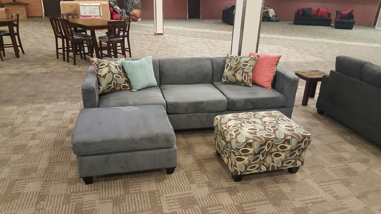 Modern Sectional In Smooth Microfiber With A Reversible Chaise