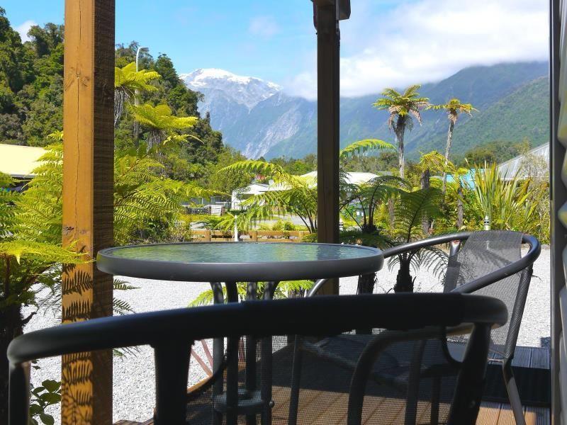 10 Cottages Franz Josef Glacier, New Zealand