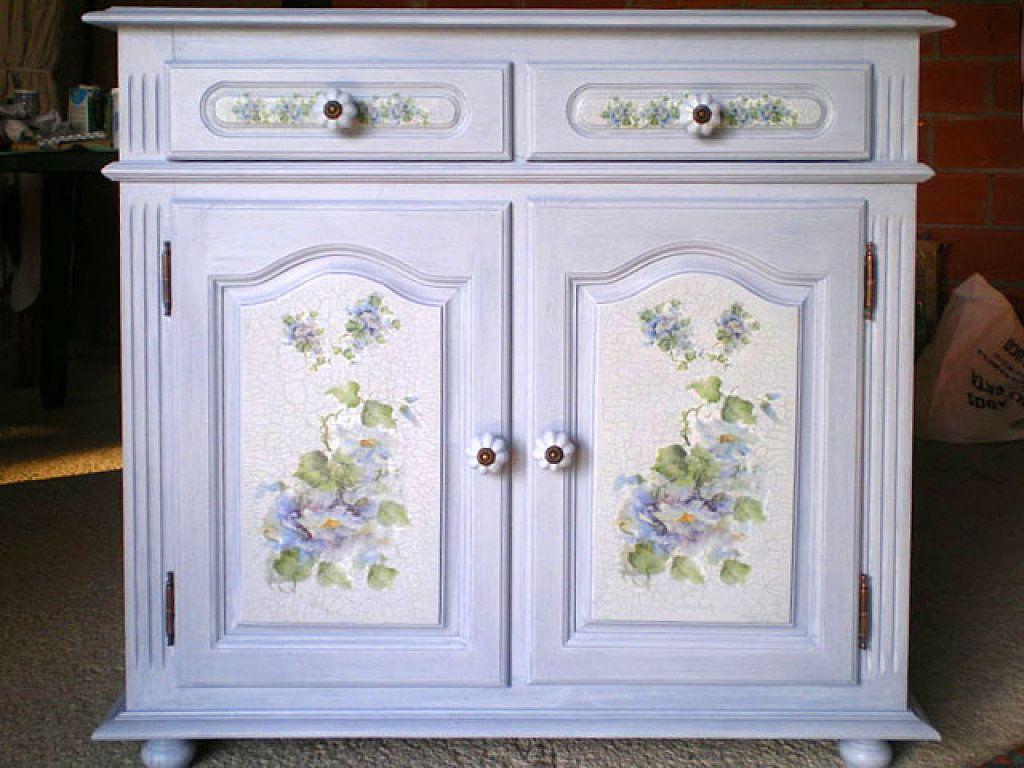 Aprende a tunear un mueble con decoupage pintura azul - Pintar muebles barnizados sin lijar ...