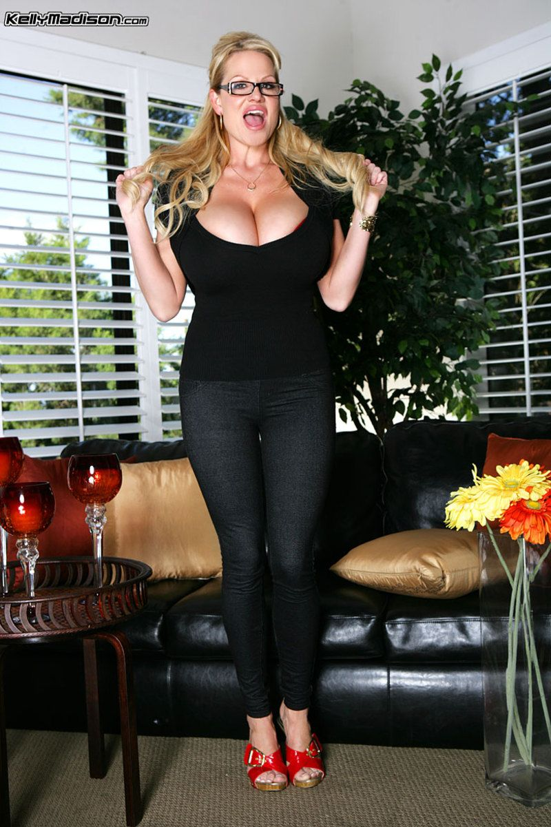 Kelly madison between the sheets