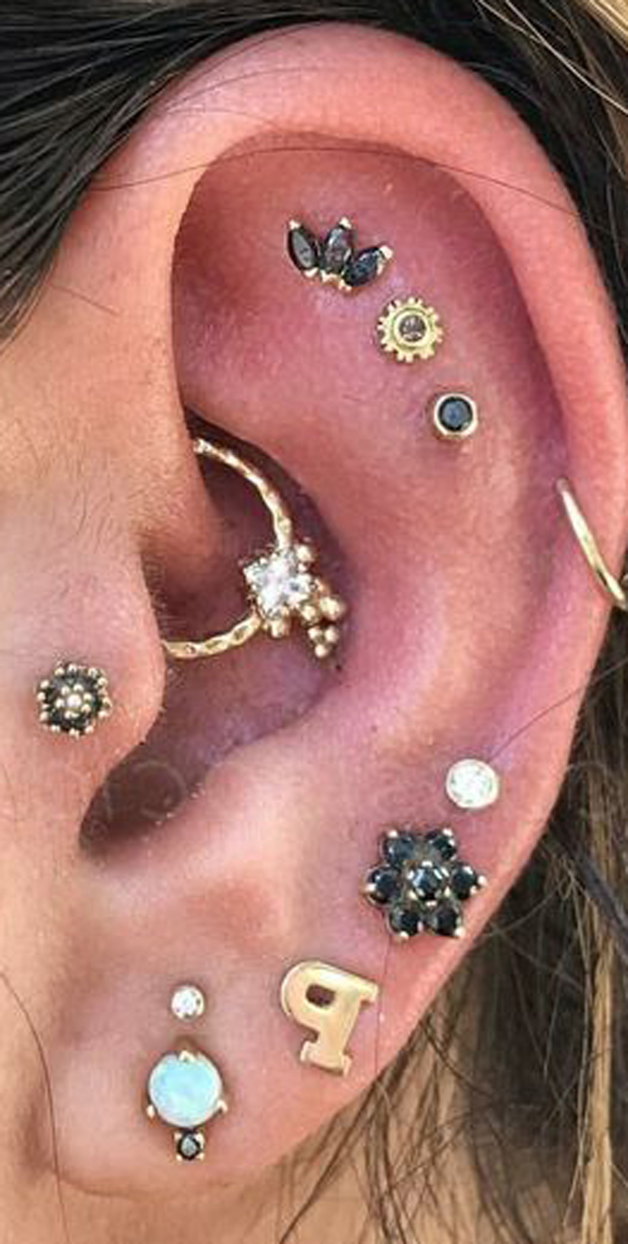 Crust around nose piercing  cute multiple ear piercing ideas for teens cartilage studs daith