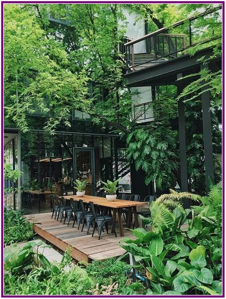 29 Marvelous Winter Garden Design For Small Backyard