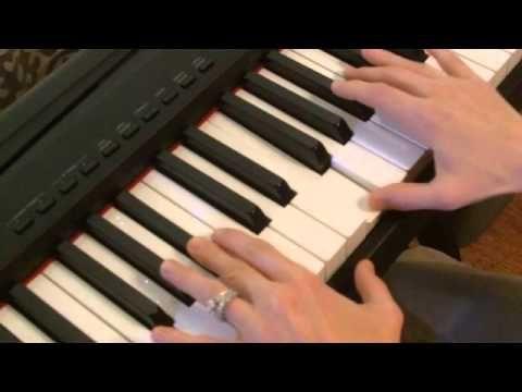how to play dark horse piano