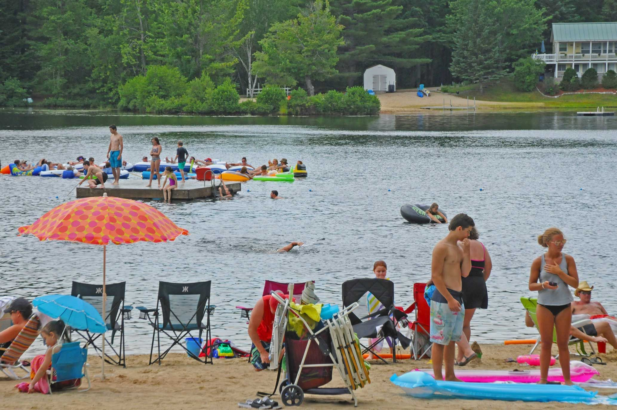 Summer Scene At Danforth Bay S Brookside Beach On Ossipee Lake In The White Mountains Of New Hampshire Premiere Camping In Ossipee Lake Summer Scenes Ossipee