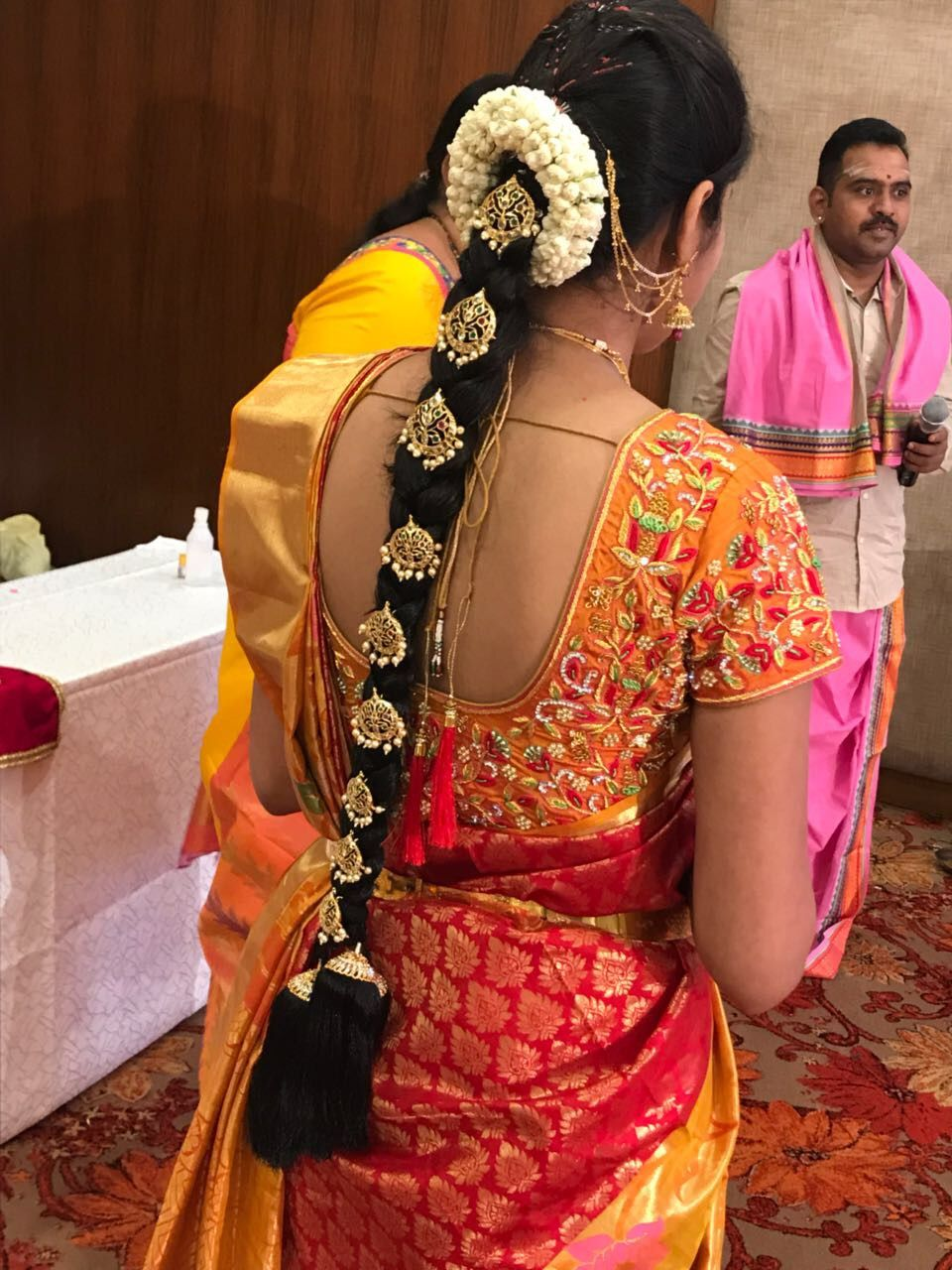Idea By Indhu On Poo Jadai Indian Bride Hairstyle South Indian Bride Hairstyle Saree Hairstyles