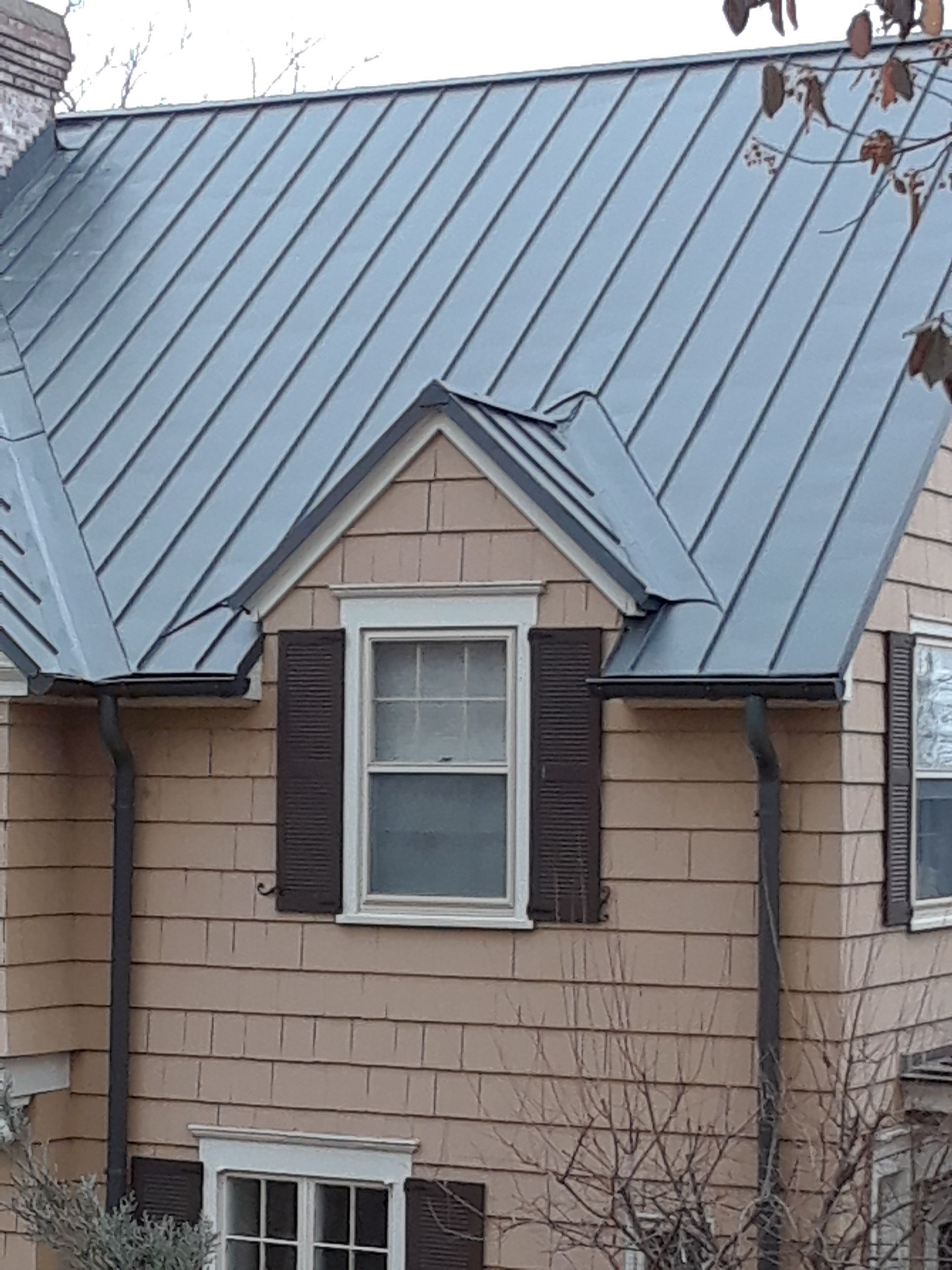 Copper And Zinc Ridge Caps Can Inhibit Moss Growth On All Varieties Of Roof Decreased Installation Time 2 3 Times Faster I Ridge Cap Pitched Roof Metal Roof