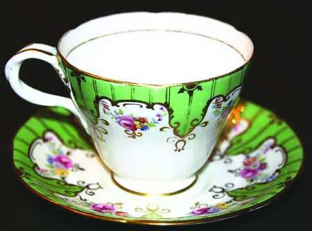 Paragon 1387 Footed Cup & Saucer Set