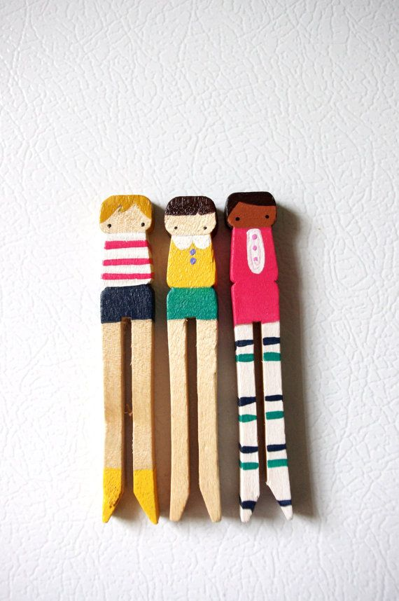 Clothespin dolls. Just the right amount of whimsy.  소품  Pinterest  비즈 및 ...