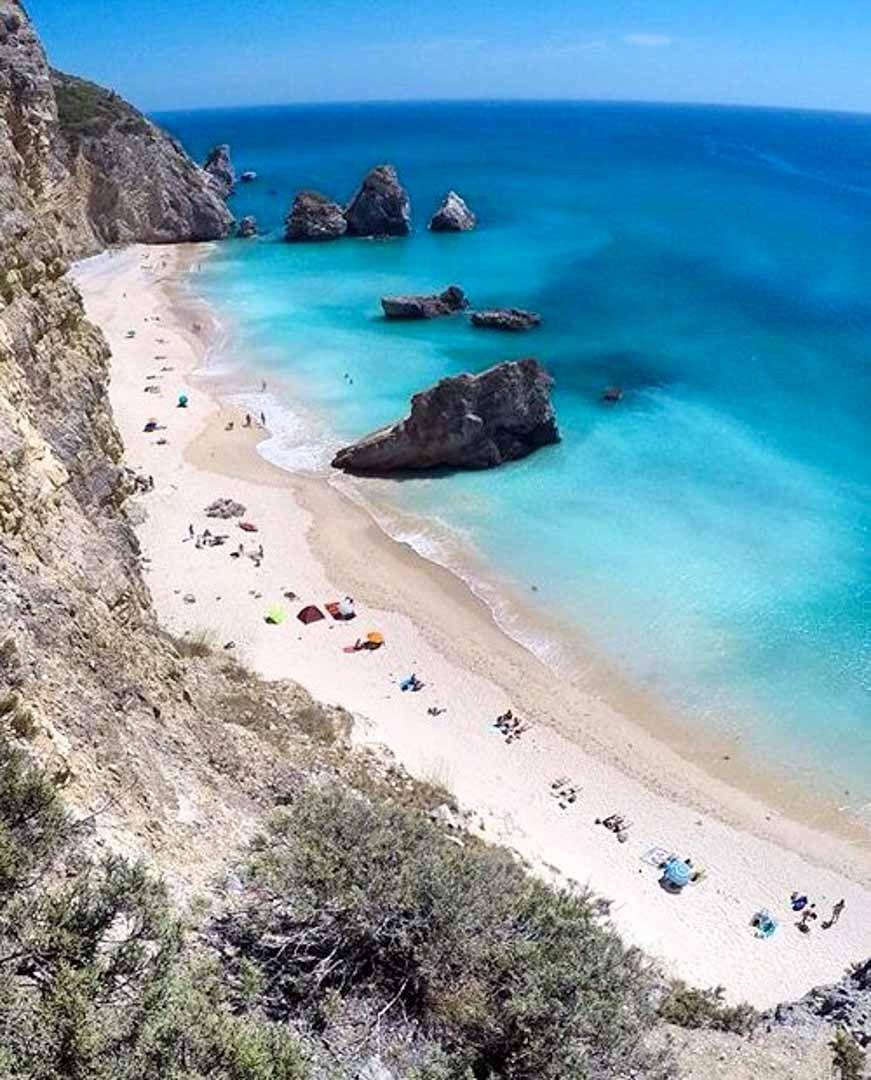 Ruta Por Portugal Para Enamorarse La Costa De Lisboa Playas Paradisiacas Portugal Playas Viajes Portugal