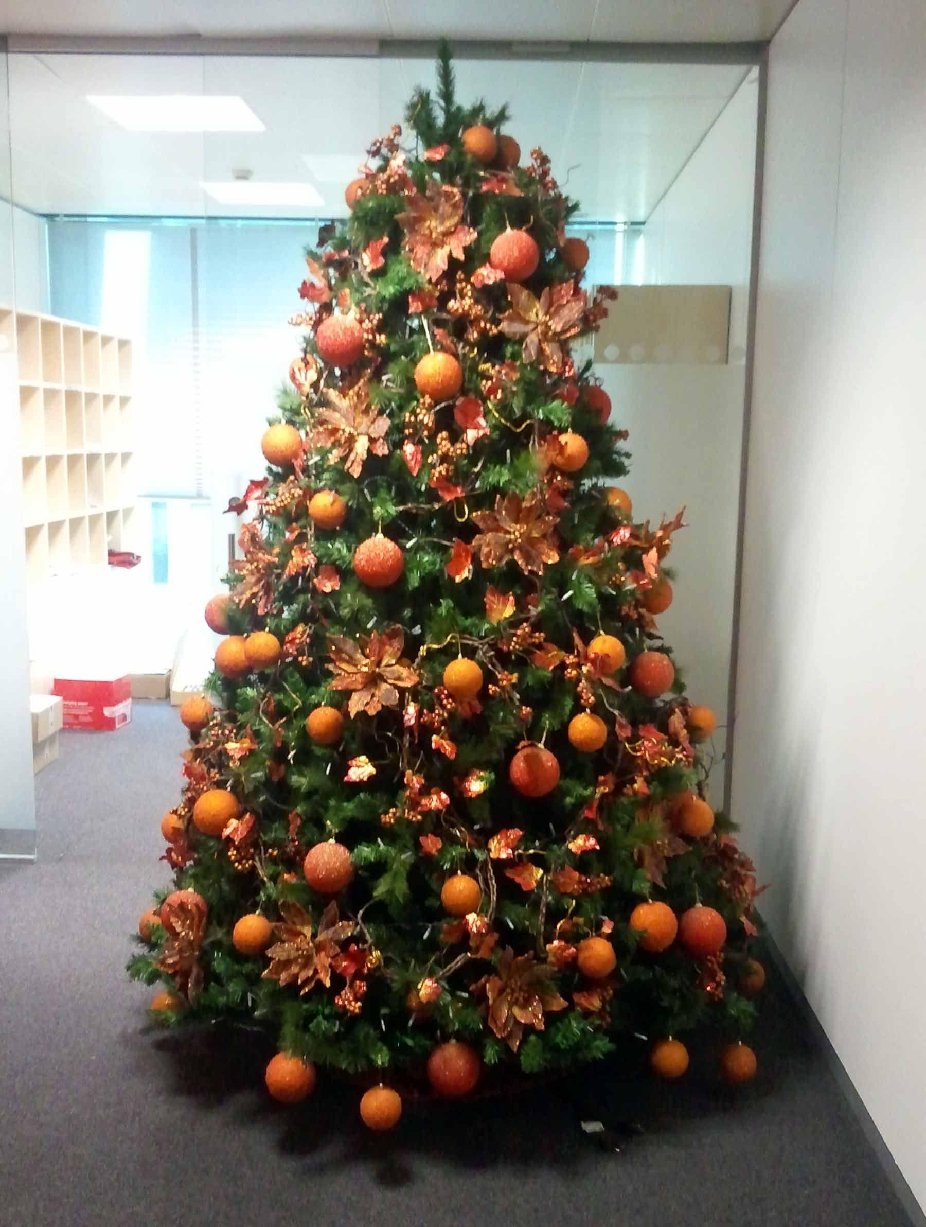d15f1e50640 arbol decorado en naranja - Google Search Arbol Decorado