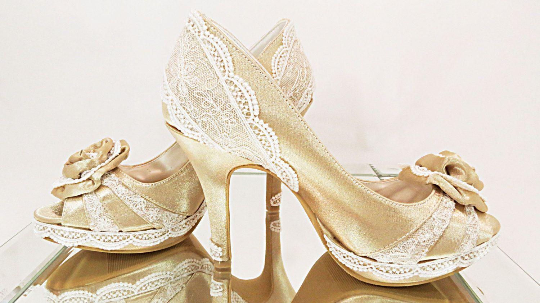 "WeDDING GOLD Peep-Toe - 3 3/4"" HeeLS - Ivory Vintage French Lace with Satin Rose - US Size 7B by MaryMarryMe on Etsy"
