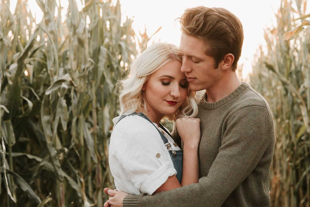 Fall Engagements | Jaker's Pumpkin Patch | Springville | Fall Outfit Ideas | Autumn Engagement Inspiration | Autumn Couple Photos Inspo | Couple Pose Ideas | Pumpkin Patch Couples Photoshoot #pumpkinpatchoutfit