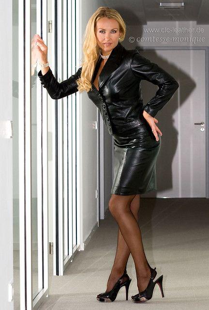 cm_black_leather_suit_office (1) | Comtesse Monique | Flickr
