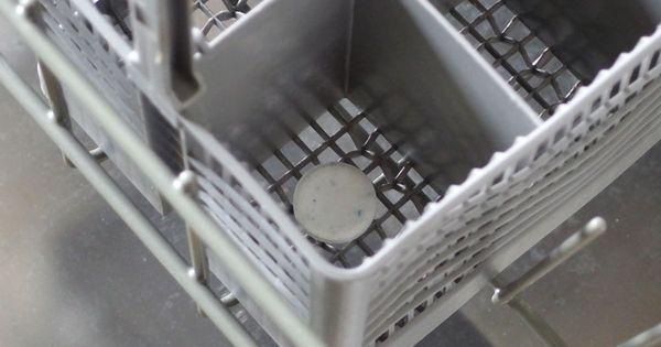 eine schmutzige sp lmaschine wird wieder sauber und fettfrei wenn man einen leersp ldurchgang. Black Bedroom Furniture Sets. Home Design Ideas