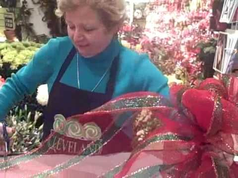 How to make large mesh bows for wreaths & decorating